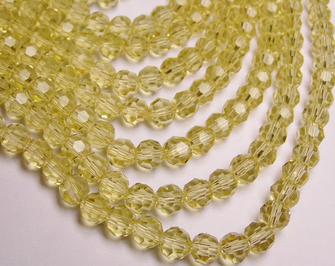 Crystal round faceted 8mm beads - 72 beads - AA quality - light yellow topaz color - Full strand