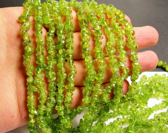 Peridot - chip stone - pebble- nugget - bead - 36 inch -full strand - A quality - PSC73