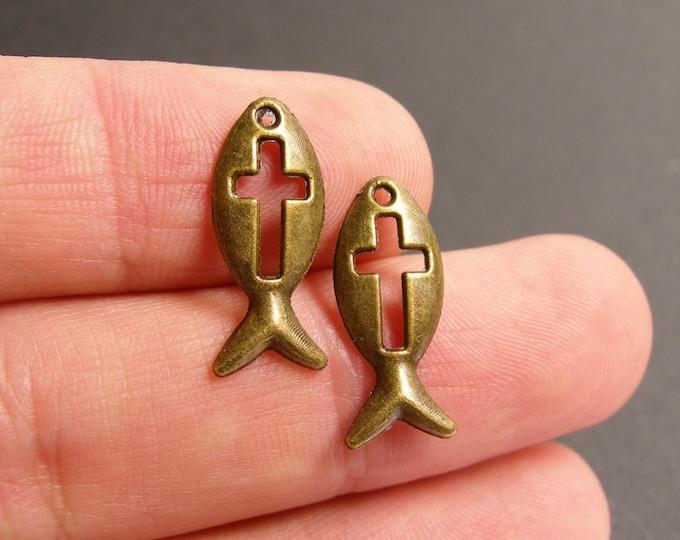24 Christian fish Charms - 24 pcs antique brass bronze Christian fish charms-  BAZ84
