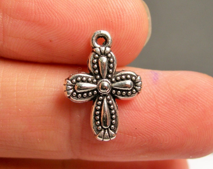 24 Cross charms - Silver tone cross charms - 24 pcs  - ASA161
