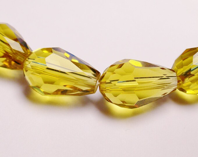 Faceted teardrop crystal  beads 20 pcs 11 mm by 7mm amber color