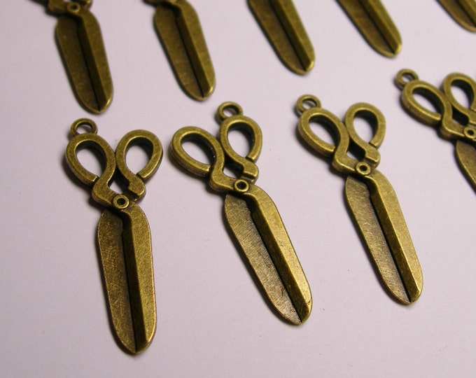 Scissor charms - 12 pcs - antique bronze - antique scissor charms - 41mm by 16mm - Baz 11