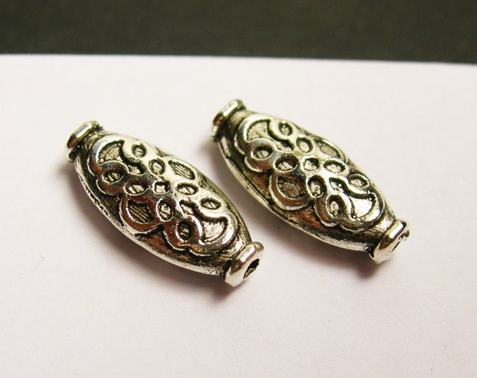24 antique oval tube - antique oval silver tone beads - ASA149