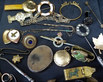 25x Antique Metal Trinkets... Found Objects... Altered Art... Assemblage Bits and Bobs... Broken Jewellery