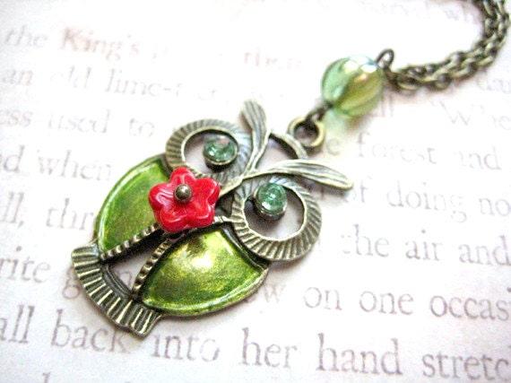 Green Owl Necklace, Owl Jewelry, Owl Charm Necklace, Owl Pendant Necklace, Bird Neckalce, Animal Necklace, Owl Gifts, Owl Necklace Jewelry