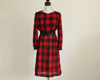 86a629332390 1980s Red   Black Buffalo Plaid Dress . Vintage 80s Classic popular Buffalo  Check Print Dress with Belt . Size 10