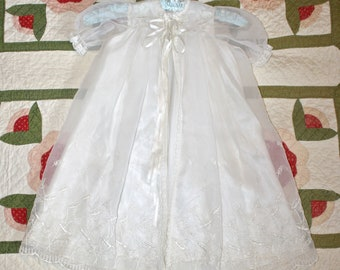 1950s Baby Girl's CHRISTENING Gown . Vintage 50s Ivory White Long Floral Embroidered Baptism Dress Gown . Size 3 - 6 Months