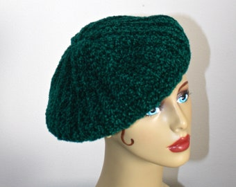 287a59fd702d3 Vintage Green Knit Beret . Acrylic Knit Winter Tam Beret Hat . Made in Italy