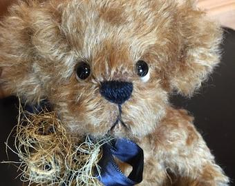 CHIP: a handmade jointed teddy bear from Jazzbears