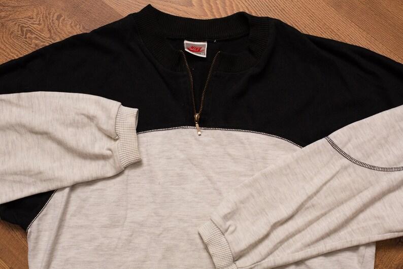 hot sale online 212d6 e0e8a Nike Colorblock Sweatshirt Swoosh Logo Patch Vintage   Etsy