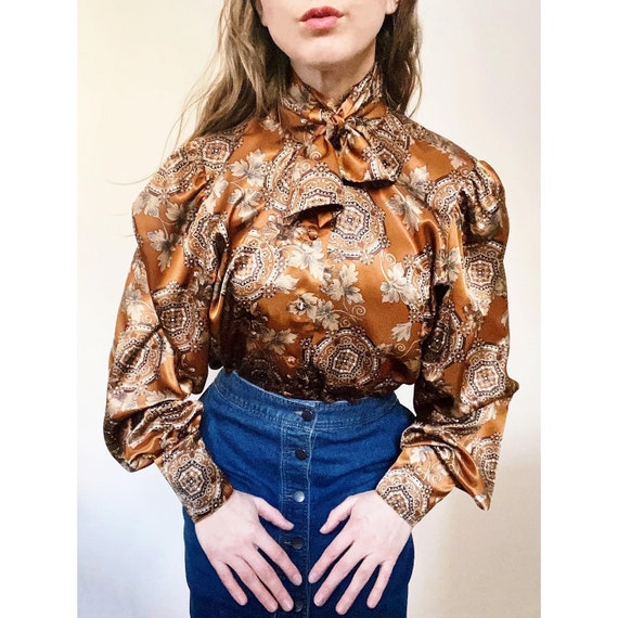 70s Blouse with Amazing Print and Front Tie Botton Up