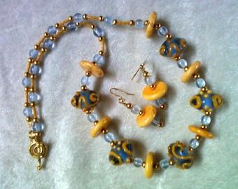 Light Blue and Golden Yellow Lampwork Necklace and Earrings (1101)