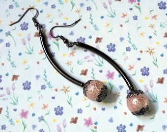 Mauve and Black Textured Pearl Drop Earrings (2792)