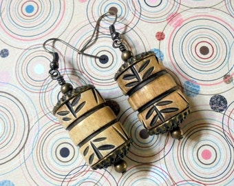 Tan and Black Carved Horn Earrings (2810)