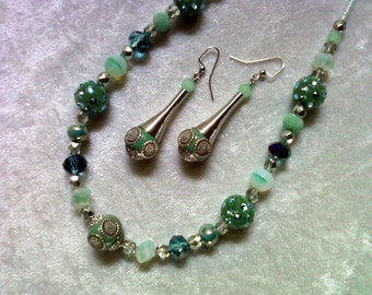 Light Teal and Silver Necklace and Earrings (1140)