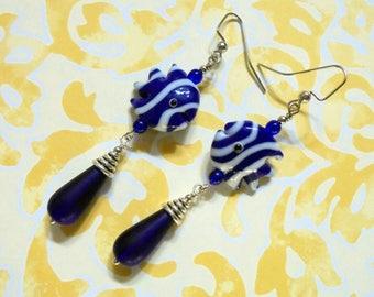 Dark Blue and White Lampwork Fish Earrings (3654)