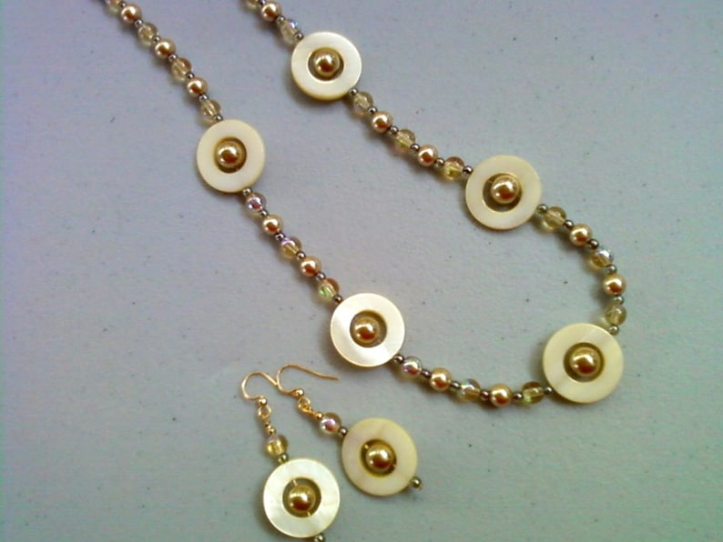 0115 Light Yellow and Gold Shell and Pearl Necklace and Earrings