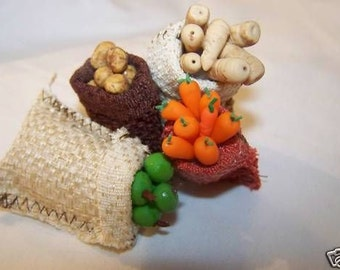 DOLLS HOUSE MINIATURES - 1/12th Sack of Vegetables x 1