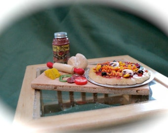 DOLLS HOUSE MINIATURES - 1/12th Making Pizza