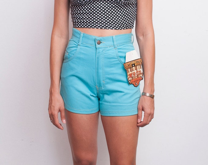 Dead stock Vintage Denim Shorts pastel blue high waist Size M