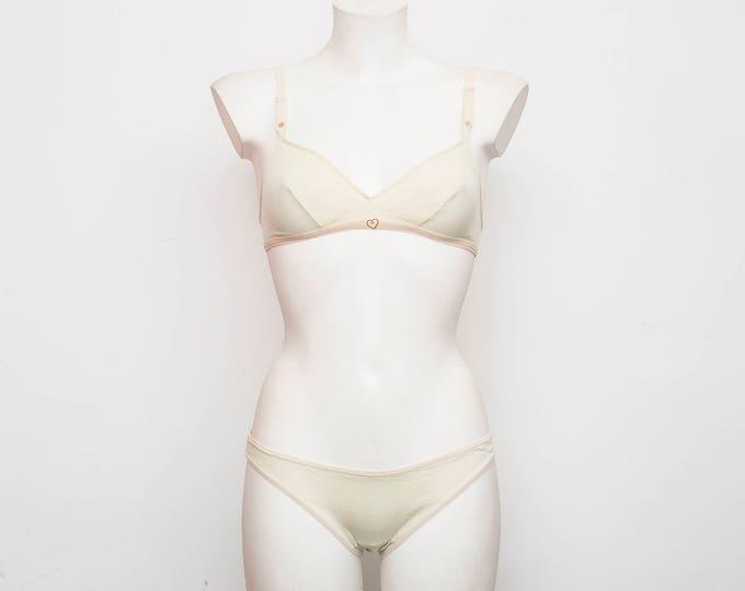 Vintage lingerie set triangle bra and panty dead stock Vintage size XS