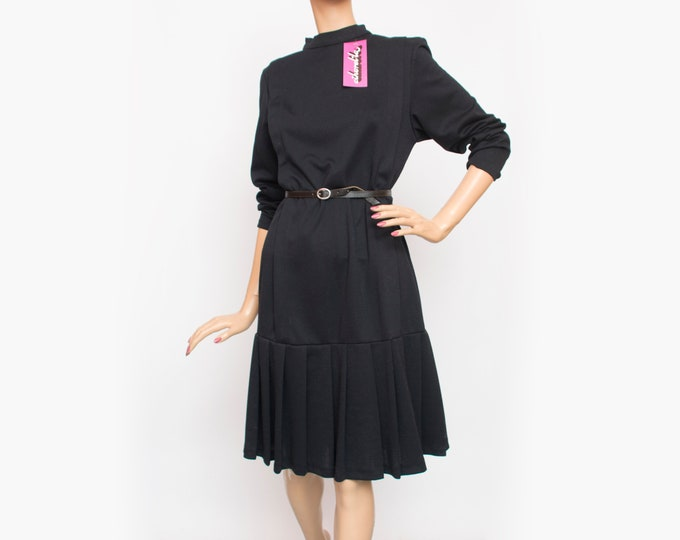 Vintage black dress with pleats dead stock