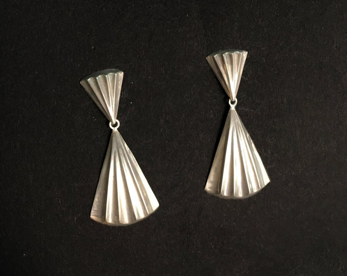 Vintage earings silver dangle  fan fluted deadstock