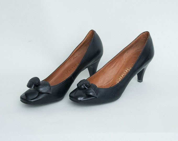 Size 4.5 Narrow Black Flower high heels pumps Dead stock vintage