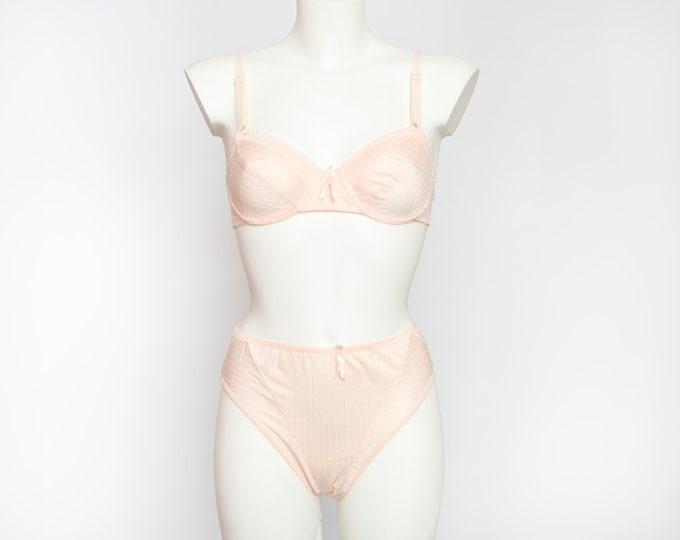 Vintage lingerie set pink bra and panty dead stock Vintage