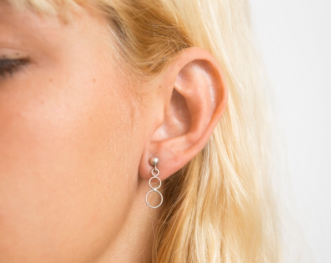 Vintage earings silver deadstock cirles drop
