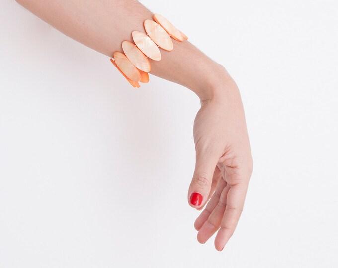 Dead stock 80s bracelet peach Nacre