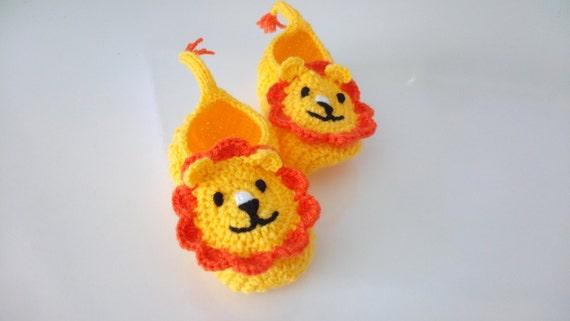 Jaune et Orange au Crochet chaussons de lion, maison chaussures-Crochet chaussons bébé-chaussons bébé ou enfant en bas âge-Crochet bébé Lion bottillons-garçon-animal