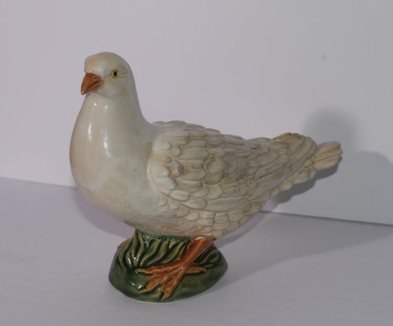 "Pottery Dove Large 10"" Italian Pottery Beautiful sculpted white Dove with green base Number 25 unsigned Dove or Pigeon Figure"