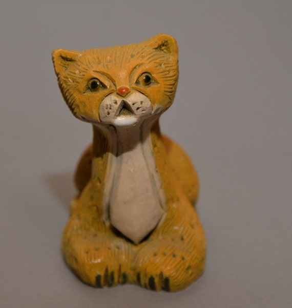 Artesania Rinconada Cheetah figurine  3.5 inch Classic Figurine 6 inches Clay animals Uruguay