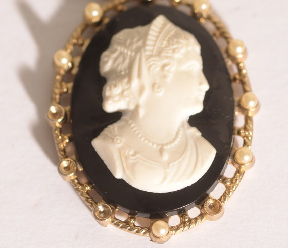 Vintage Cameo Necklace Large Black and White 1940s safety clasp Free Shipping