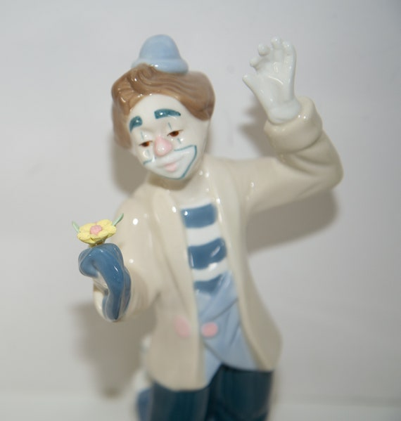 Mexican Porcelain Llaadro style clown Figurine Vintage 1993 Clown with Flower Blue and white