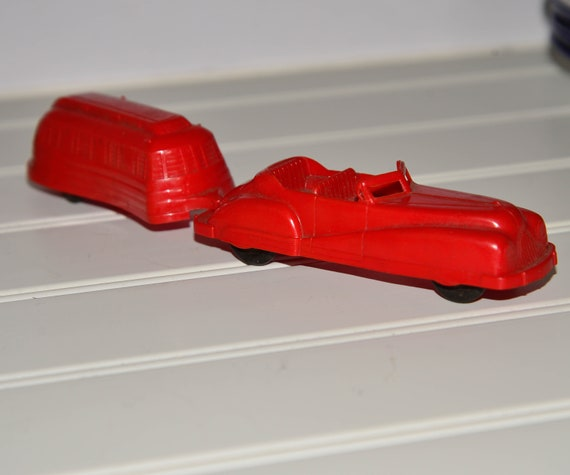 1940s Streamlined Acme Slush mold plastic Car with Camper Trailer Retro Red excellent Condition Vintage Toy