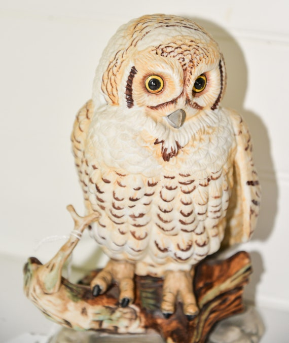 Enesco Barn Owl Large 8 inch Figurine 1980  E9029 8.5X5 inches  No chips, Realistic Owl Figurine on a branch