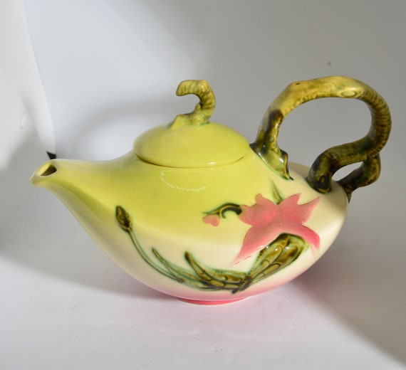 Hull Mid Century Woodland Alladin Style Mid Century Teapot Chartreuse and Pink W26