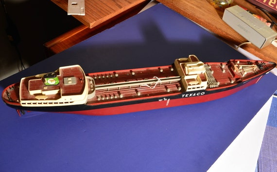 1961 S.S. Texaco North Dakota Toy Tanker Ship AMF Wen-Mac 27 inches long Toy Model Boat Ship Tanker