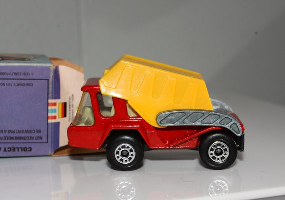 1976 Matchbox Lesney England Skip Truck with box Super Fast Number #37