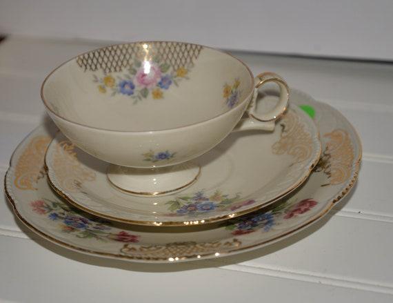 Trio Cup and Saucer Set Hertel Jacob German Bavaria Porcelain Tea Set vintage