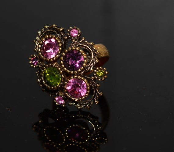 Vintage Sarah Coventry Austrian Lites 1973 Big Rhinestone Ring Adjustable Pink and Peridot Colors