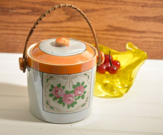 Made in Japan Biscuit Jar, pearlescent Finish, handpainted Japan Porcelain Biscuit or cookies 1940s