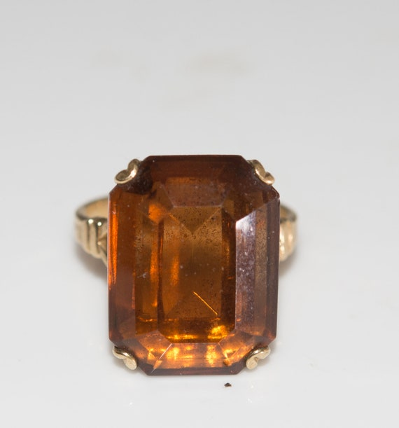 Vintage Avon Ring Amber Glass Chunky Size 8 Ring Costume Jewelry Bold Gold Tone