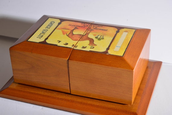 Thomas Museum Limited Edition Camel Cigarettes Valey Jewelry Box Limited Edition