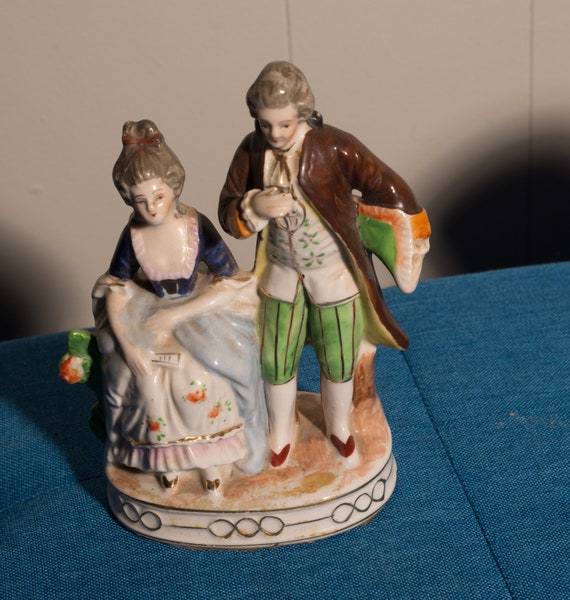 Occupied Japan Colonial Couple Porcelain Figurines Vintage Courting Figures