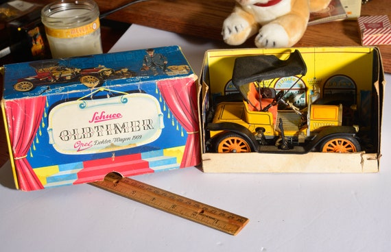Schuco Old Timer Wind up key Car Number 1228 Works with Box and instructions. Doctor Dokter Wagon 1909 Vintage toy 1980s