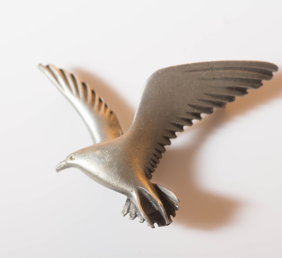 Pewter Pendant or Pin Seagull in Flight Vintage Pewter Pin for Bird Lover
