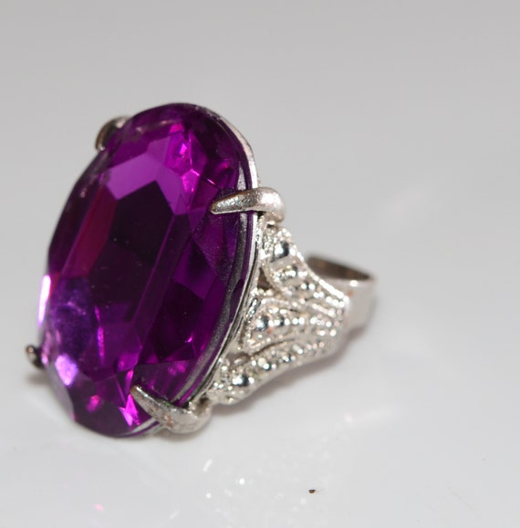 Vintage Chunky Purple Glass Stone Costume Ring 1970-80s Adjustable Silvertone Band ornate mount Statement Ring